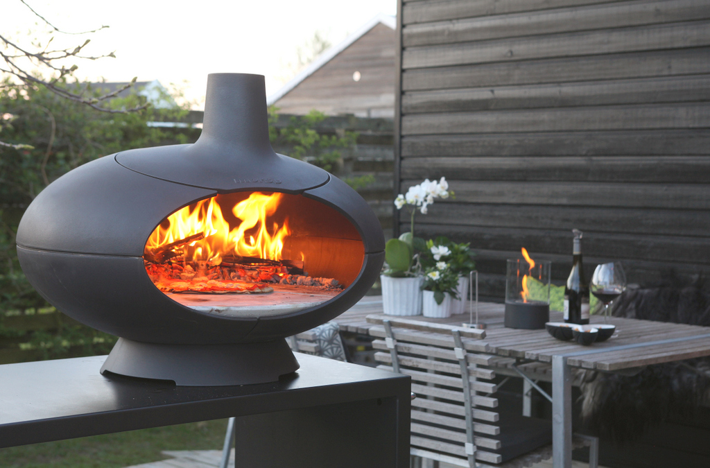 the experience and taste of woodfired outdoor cooking and that you expect from morso quality and design